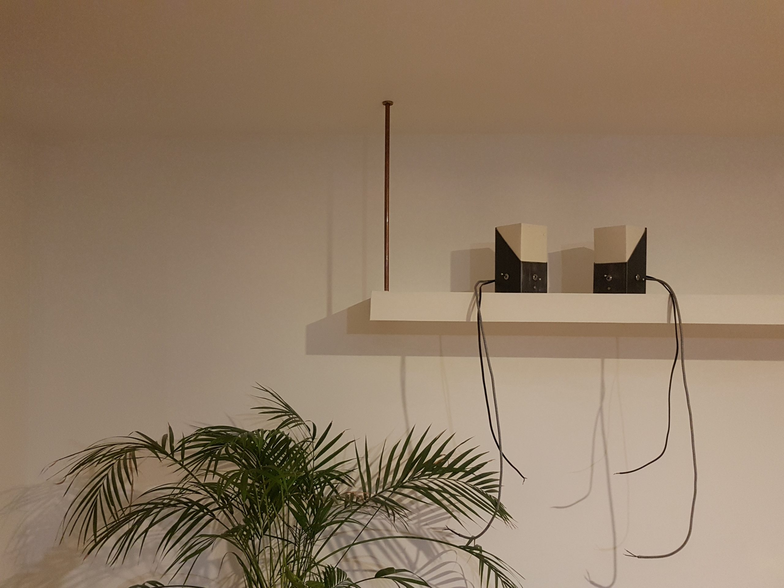 Atelier Du Luminaire Toulouse atelier b – mobilier, luminaire en matériaux de récupération